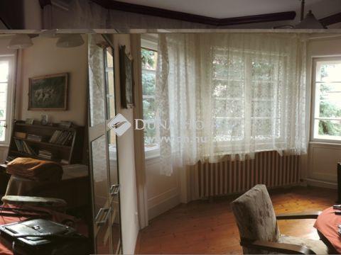 Eladó Ház, Bács-Kiskun megye, Tiszakécske - Belvárosi, villa jellegű épület