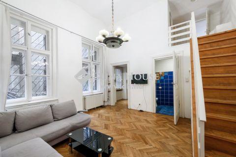 Eladó Lakás, Budapest - Andrássy út - KURIÓZUM - Airbnb