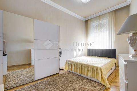Eladó Lakás, Budapest - 3 külön nyíló szoba, tágas, napfényes terek!