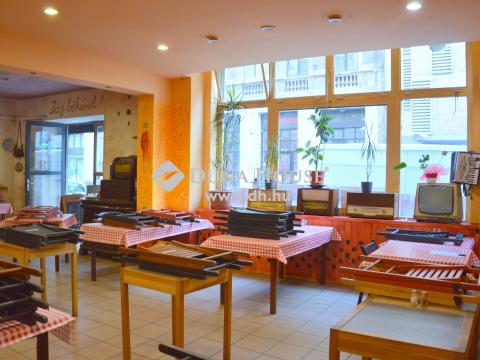 Eladó Üzlethelyiség, Budapest - Körúton belül MELEG KONYHÁS földszinti, utcai üzlethelyiség