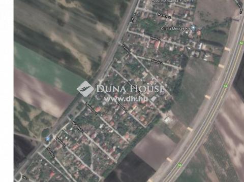 Eladó Telek, Bács-Kiskun megye, Kecskemét - Kiskertek városrész, 30%-ban beépíthető sarki telek.