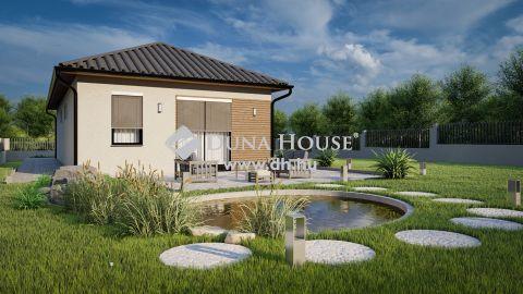 Eladó Ház, Bács-Kiskun megye, Kecskemét - 75 m2-es téglaépítésű családi házterv napelemmel