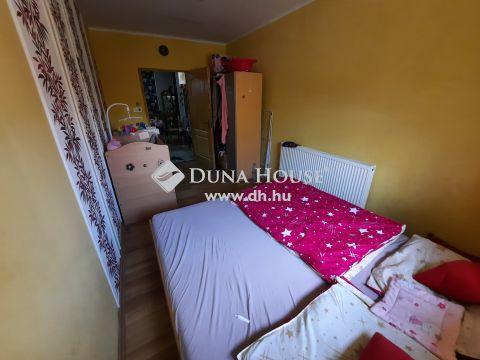 Eladó Ház, Bács-Kiskun megye, Kiskunfélegyháza - Nappali + 2 szobás, fűtéskorszerűsített