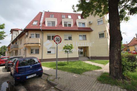 Eladó Lakás, Bács-Kiskun megye, Kecskemét - Földszinti, 2 szobás lakás 2003-ban épült társasházban!