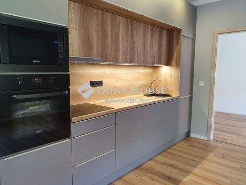 Eladó Lakás, Baranya megye, Pécs - Felújított 2 háló+nappalis lakás