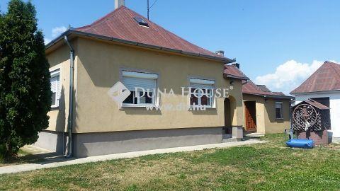 Eladó Ház, Veszprém megye, Veszprém - Gyulafirátót, kertvárosias részen