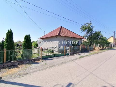 Eladó Ház, Fejér megye, Bicske - Kertváros csendes mellékutca
