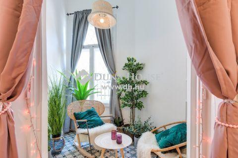 Kiadó Lakás, Budapest - Mammut mellett felújított, erkélyes lakás