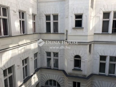 Eladó Lakás, Budapest 5. kerület - Kálmán Imre utcában, gyönyörű házban