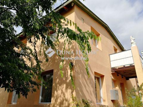 Eladó Ház, Budapest 20. kerület - szabadon alakítható belterű, saját garázzsal!