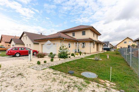 Eladó Ház, Baranya megye, Kozármisleny - Kozármisleny Fészek lakótelep